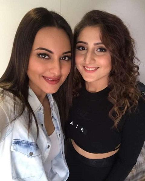 Dhvani Bhanushali with Sonakshi Sinha