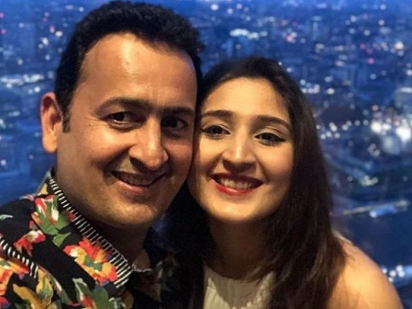 Dhvani Bhanushali with her father Vinod Bhanushali
