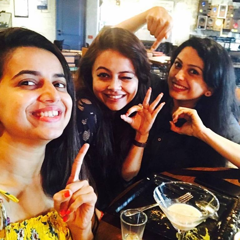Devoleena Bhattacharjee with Saath Nibhaana Saathiya co-stars