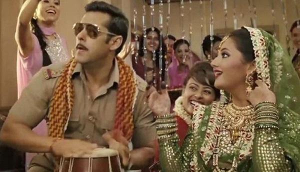 """Rashami Desai in """"Dabangg 2"""""""