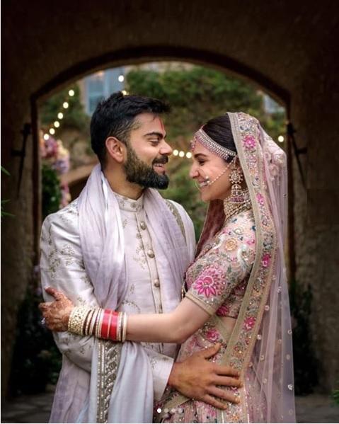 Virat Kohli with his wife & Bollywood actress Anushka Sharma