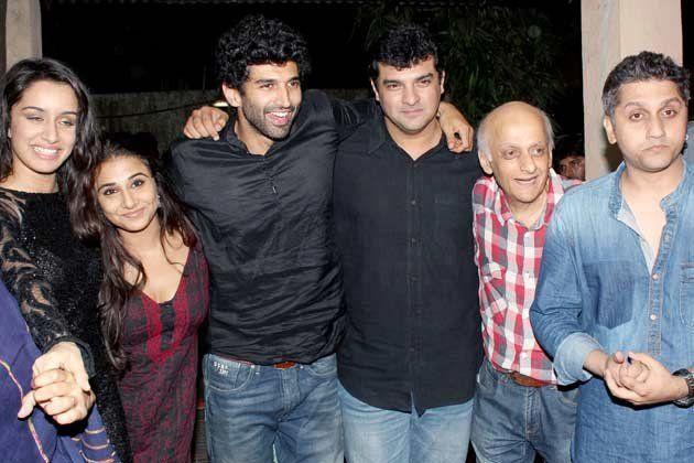 Aditya Roy Kapoor and Shraddha Kapoor with Aditya's family