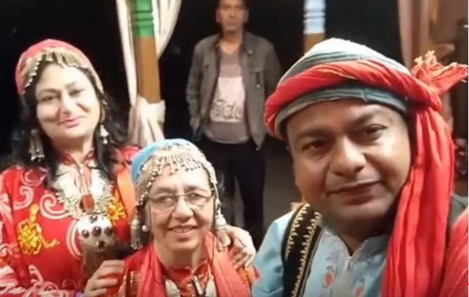 Deepak Kalal with his mother and sister
