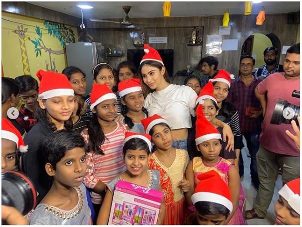 Mouni Roy with NGO kids