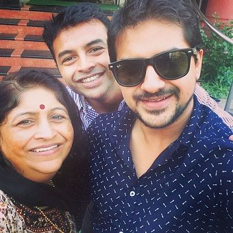 Pushkar Jog with his parents