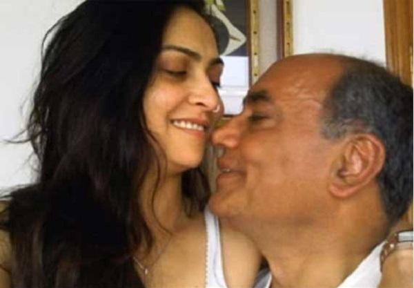 Amrita Rai with her present husband Digvijaya Singh