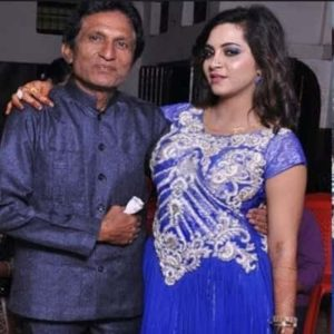Arshi Khan with her father