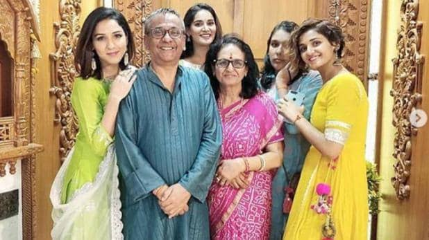 Neeti Mohan with her family