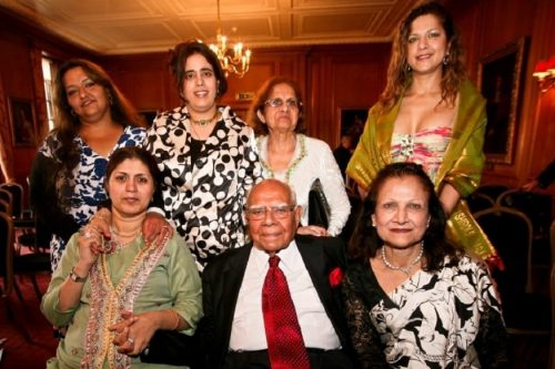 Ram Jethmalani with his family