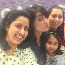 Surbhi Jyoti with her family