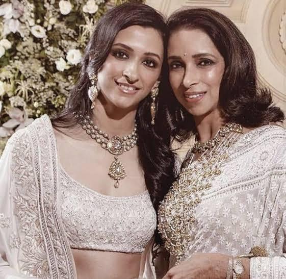 Anisha Padukone with her mother Ujjala Padukone