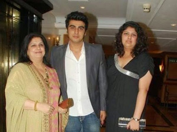 Anshula Kapoor with her brother Arjun Kapoor & mother Mona Shourie