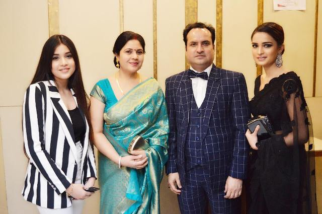 Aarushi Sharma with her family