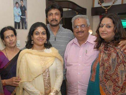 Kiccha Sudeep with his family