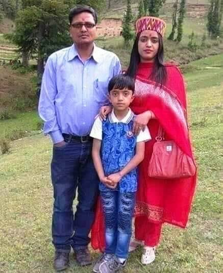 Reena Thakur with her husband and son