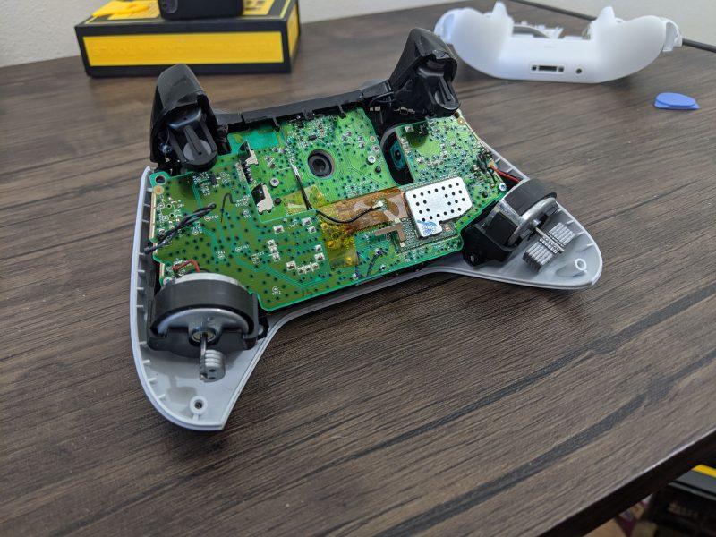 Take Apart an Xbox One Controller